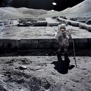 Υπάρχουν φωτογραφίες από τη Σελήνη με κατεστραμμένα κτίρια…